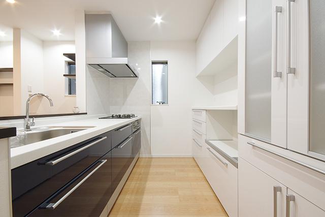 充実したキッチン収納
