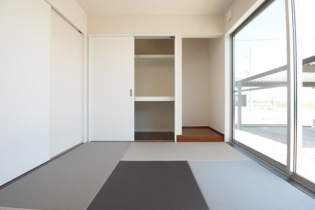 1F和室の畳は強化和紙を採用。