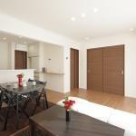 ハーバーハウスの施工事例 「2世帯で暮らす、シンプルモダンのリノベーション住宅」(NRP)