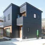 長野県上松「ORGA アカシア無垢床のブラックガルバリウムハウス」住宅完成見学会