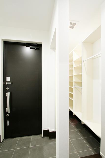 """ハーバーハウスの新築 家づくり 事例「chouette(シュエット) """"理想の空間で働く""""をかなえる店舗併設型住宅(美容室)」"""