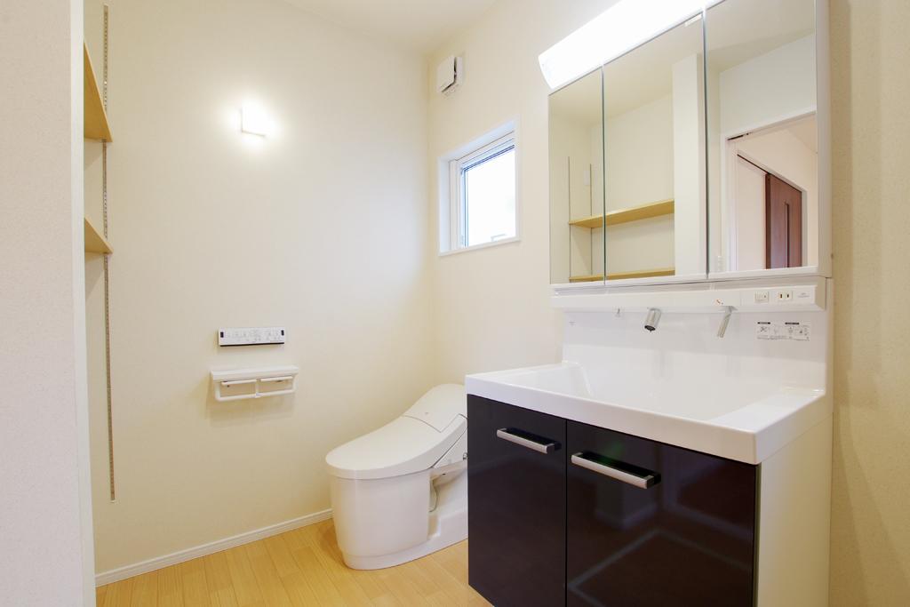 ハーバーハウスの新築 家づくり 事例「MIRAI 収納・造作多数の左右分離型二世帯住宅」(MIRAI)