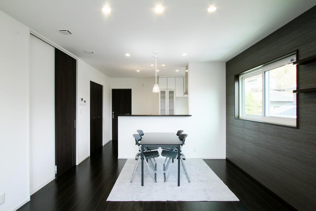 ハーバーハウスの新築 家づくり 事例「REVELTA ロフトを利用した大容量収納のインナーガレージハウス」(REVELTA)