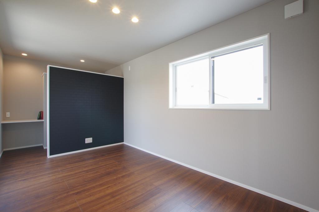 ハーバーハウスの新築 家づくり 事例「ORGA ブラックガルバ×無垢外壁 王道スタイリッシュの家」