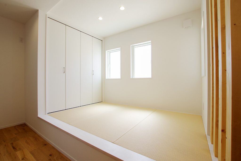 ハーバーハウスの新築 家づくり 事例「無垢床×モルタル仕上げのナチュラルハウス」