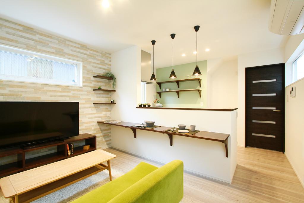 ハーバーハウスの新築 家づくり 事例「ZEPTO ロフト付きの洋室があるスタイリッシュカラーなLDKの家」(ZEPTO)