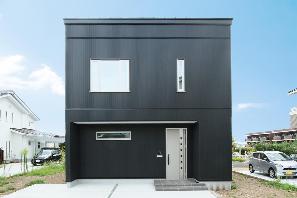 ハーバーハウスの新築 家づくり 事例「HARS 内も外もスタイリッシュ!ブラックガルバリウムハウス」(HARS)