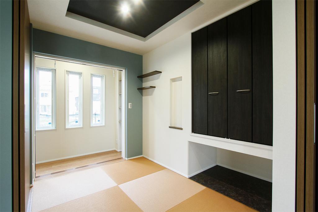 ハーバーハウスの新築 家づくり 事例「GRANDE ブラックガルバリウム、無垢床、L字型LDK、造作収納など見どころ満載の家」(GRANDE)