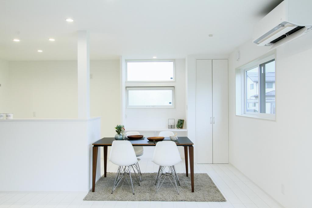 ハーバーハウスの新築 家づくり 事例「開放的な吹き抜けがお出迎えしてくれる大空間LDKの家」(ECOLOGIA)