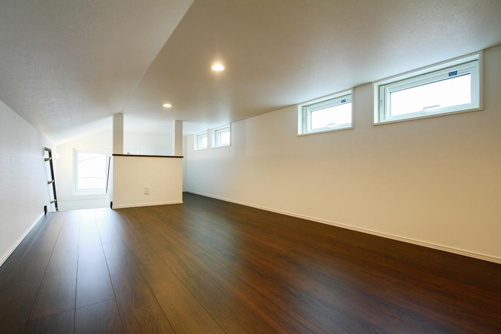 ハーバーハウスの新築 家づくり 事例「シンプルながらも使い勝手抜群!小屋裏収納のある家」