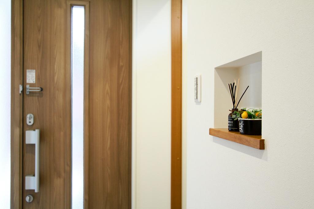 ハーバーハウスの新築 家づくり 事例「便利に使える小上がり和室のあるホワイトガルバリウムのお家」