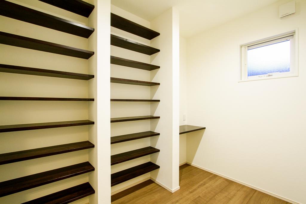 ハーバーハウスの新築 家づくり 事例「見どころたっぷり!隠れ家風の書斎のあるお家」(IZU)