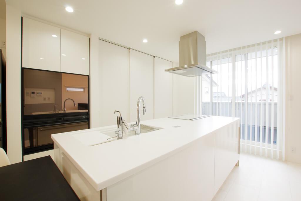 ハーバーハウスの新築 家づくり 事例「勾配天井で開放感のある2階LDKの家」(IZU)