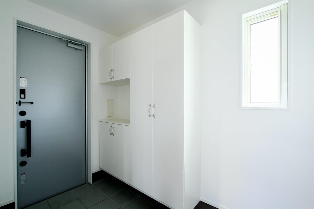 ハーバーハウスの新築 家づくり 事例「家事ラク&たっぷり収納!シンプルにまとめたクールモダンハウス」(EXY)