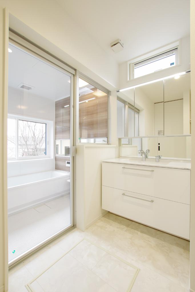 ハーバーハウスの新築 家づくり 事例「開放感ばつぐん!大きな吹き抜けのあるお家」(IZU)