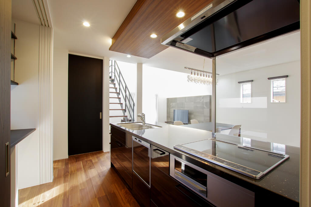 ハーバーハウスの新築 家づくり 事例「HARS ピットリビング+吹き抜けで開放感のある家」(HARS)