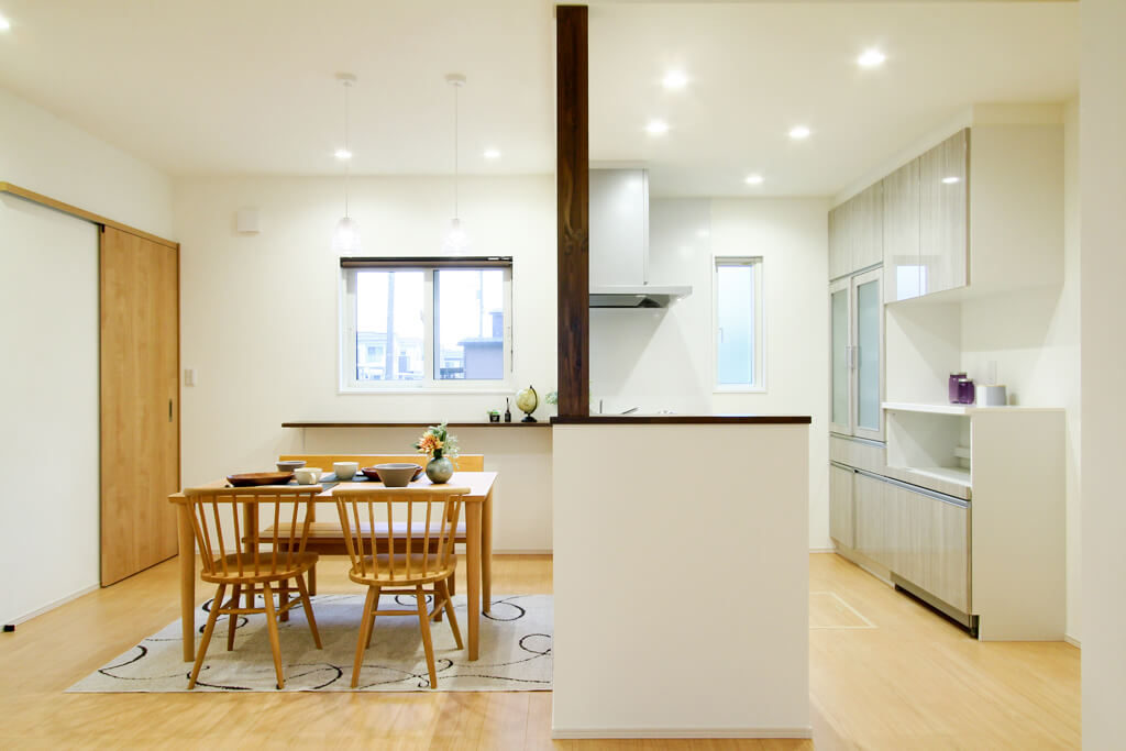 ハーバーハウスの新築 家づくり 事例「2.5帖の大きなパントリーのある家事ラク仕様な家」(ECOLOGIA)