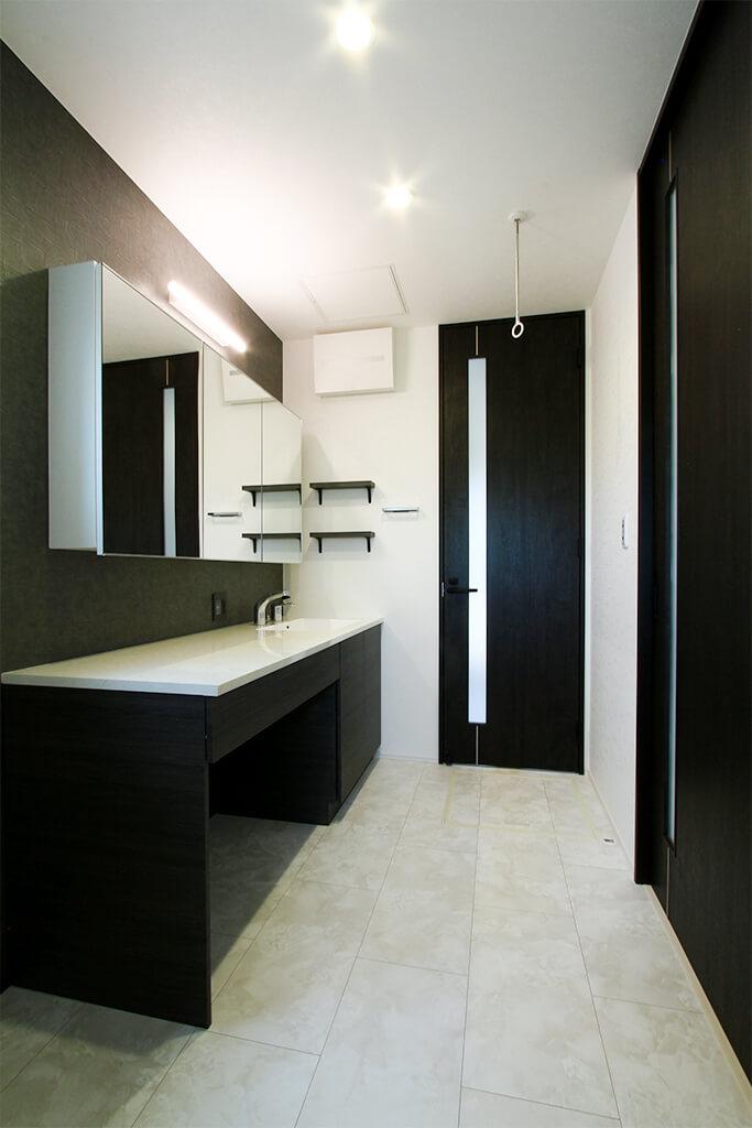 ハーバーハウスの新築 家づくり 事例「収納をたっぷり設けたモダンインテリアの家」(EXY)