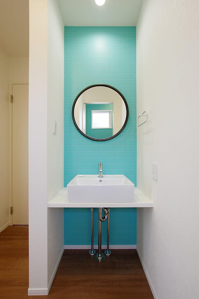 ハーバーハウスの新築 家づくり 事例「ORGA 採光抜群のLDKのある、ブルーのガルバリウム外壁の家」(ORGA )