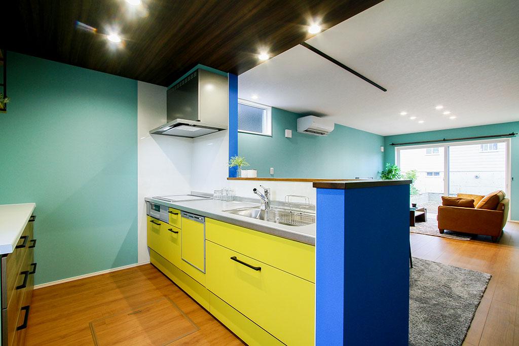 ハーバーハウスの新築 家づくり 事例「アクセントクロスで個性的な空間を演出した家」(EXY)