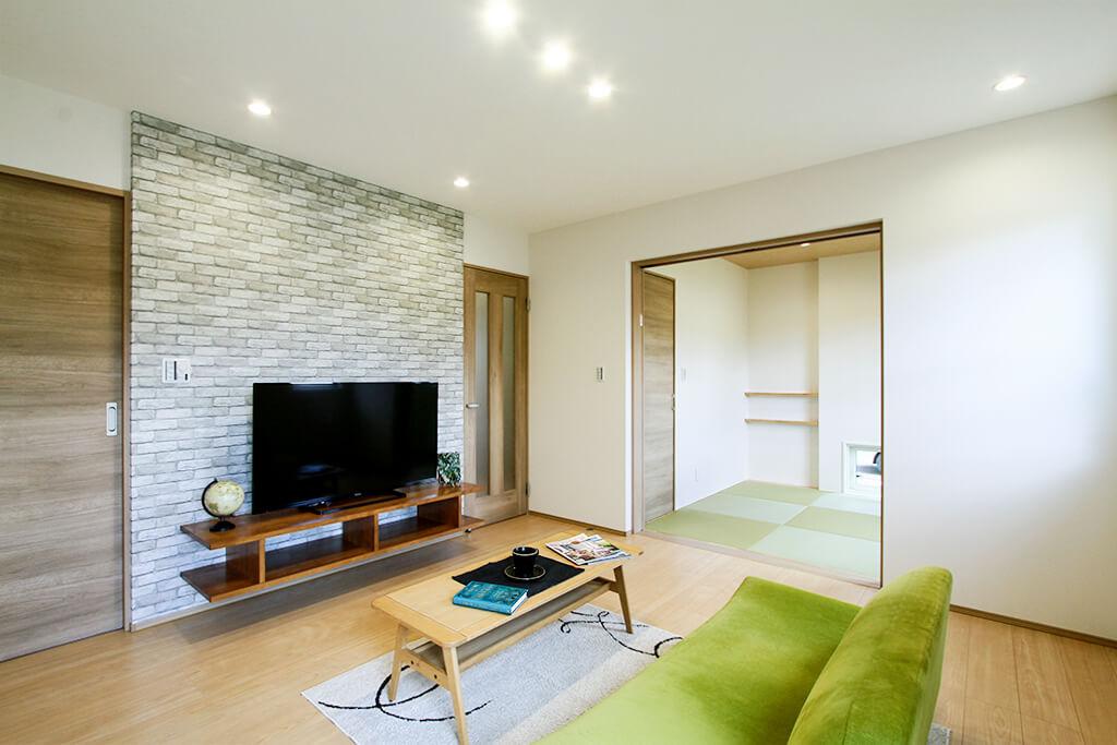 ハーバーハウスの新築 家づくり 事例「造作TVボードがポイントの家事ラク動線の家」(EXY)