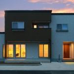 ハーバーハウスの施工事例 「GRANDE テレビボードやマガジンニッチなど造作たっぷり!書斎のある家」(GRANDE) ※外構はイメージ合成です。
