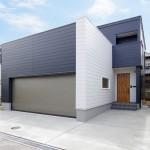 ハーバーハウスの施工事例 「REVELTA 鉄骨階段×吹き抜けで開放的なインナーガレージハウス」(REVELTA)
