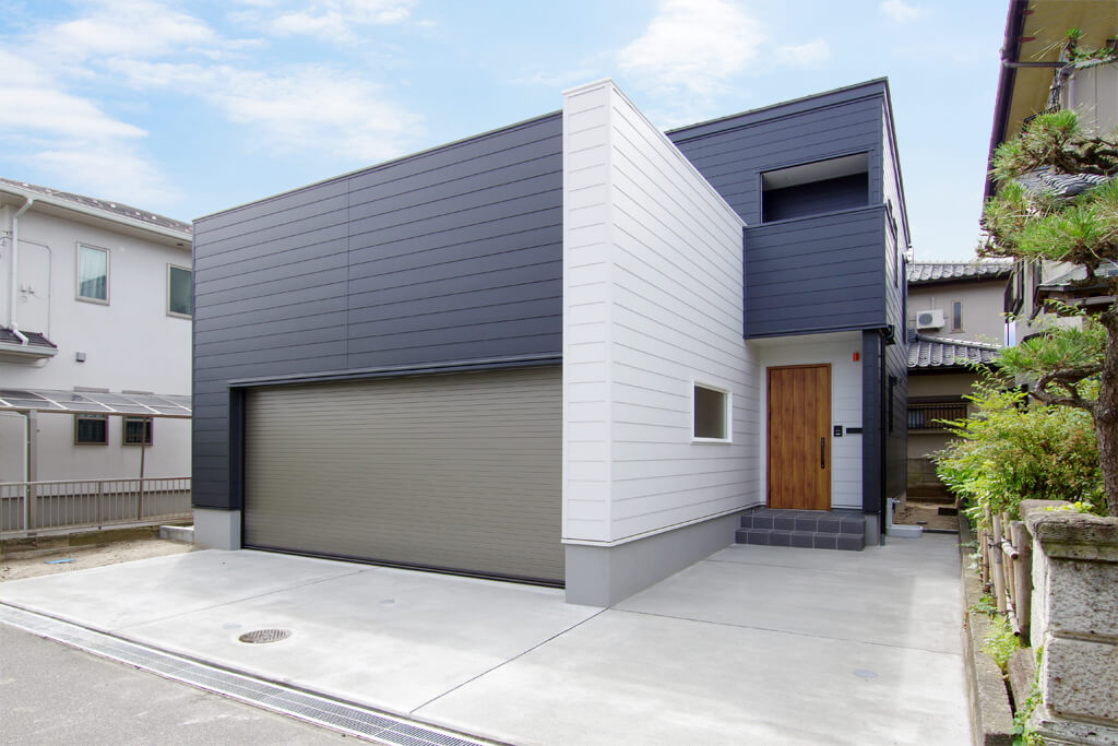 ハーバーハウスの新築 家づくり 事例「REVELTA 鉄骨階段×吹き抜けで開放的なインナーガレージハウス」