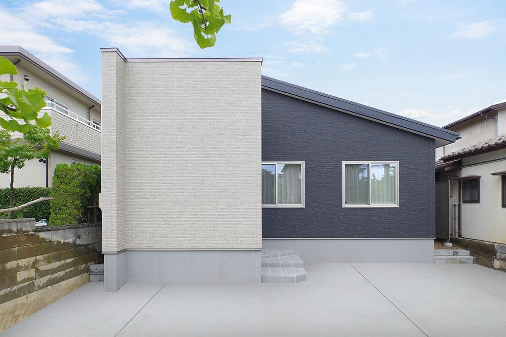 ハーバーハウスの新築 家づくり 事例「STORY 広々10帖のタイルデッキを囲む!居心地の良いコートハウス」(STORY)