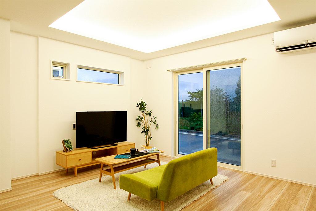 ハーバーハウスの新築 家づくり 事例「折り上げ天井と間接照明で魅せるLDKの家事ラクハウス」