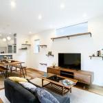 長岡市高見町「ORGA アカシアの突板が魅力的なキャットウォーク・屋根裏収納がある家」住宅完成見学会