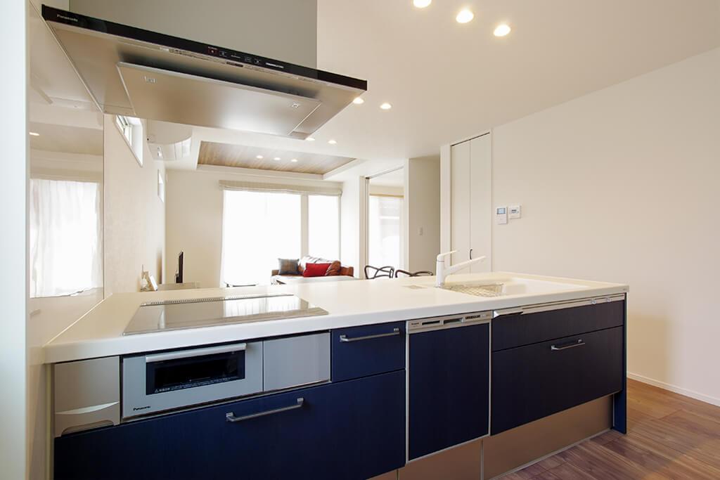 ハーバーハウスの新築 家づくり 事例「BLEAST 約21帖の大空間LDKとつながる!プライベートテラスのある家」(BLEAST)