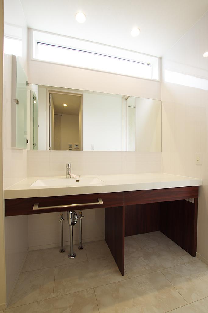 ハーバーハウスの新築 家づくり 事例「REVELTA 暮らしやすさを考えた造作や家事動線のインナーガレージハウス」