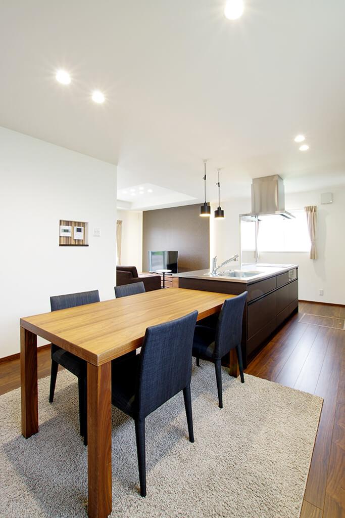 ハーバーハウスの新築 家づくり 事例「折り上げ天井×間接照明を採用!家事ラク動線の家」