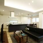 ハーバーハウスの施工事例 「アイランドキッチン採用!スタイリッシュインテリアの家」(IZU)