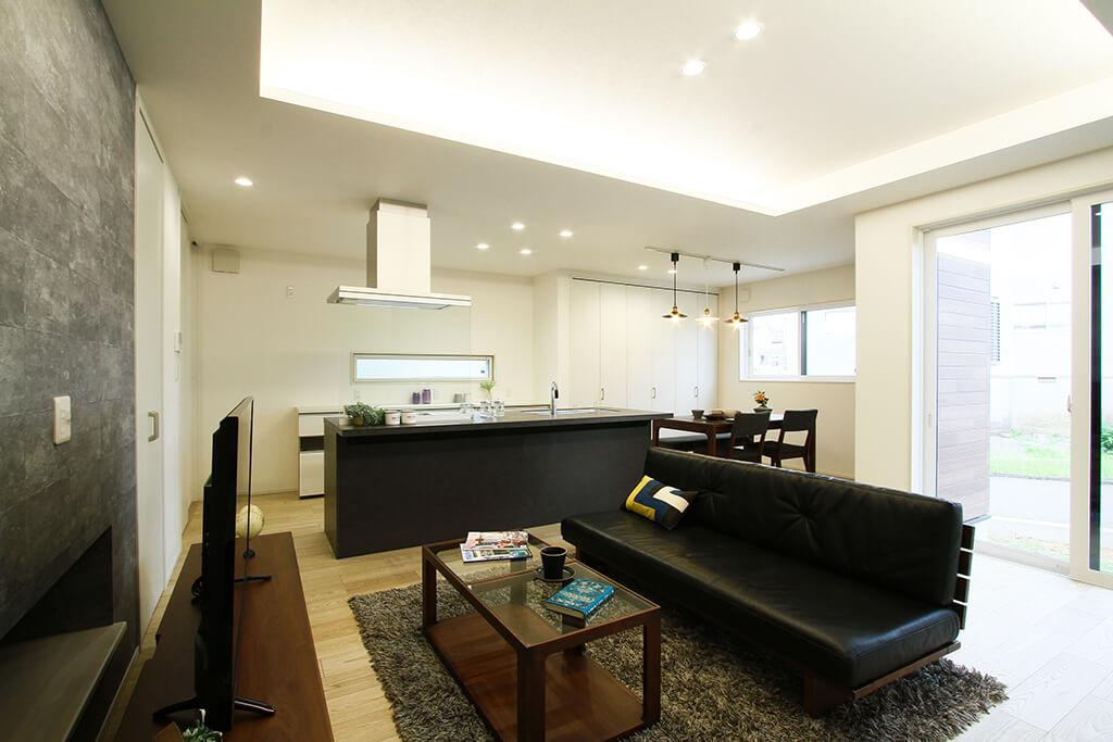 ハーバーハウスの新築 家づくり 事例「アイランドキッチン採用!スタイリッシュインテリアの家」(IZU)