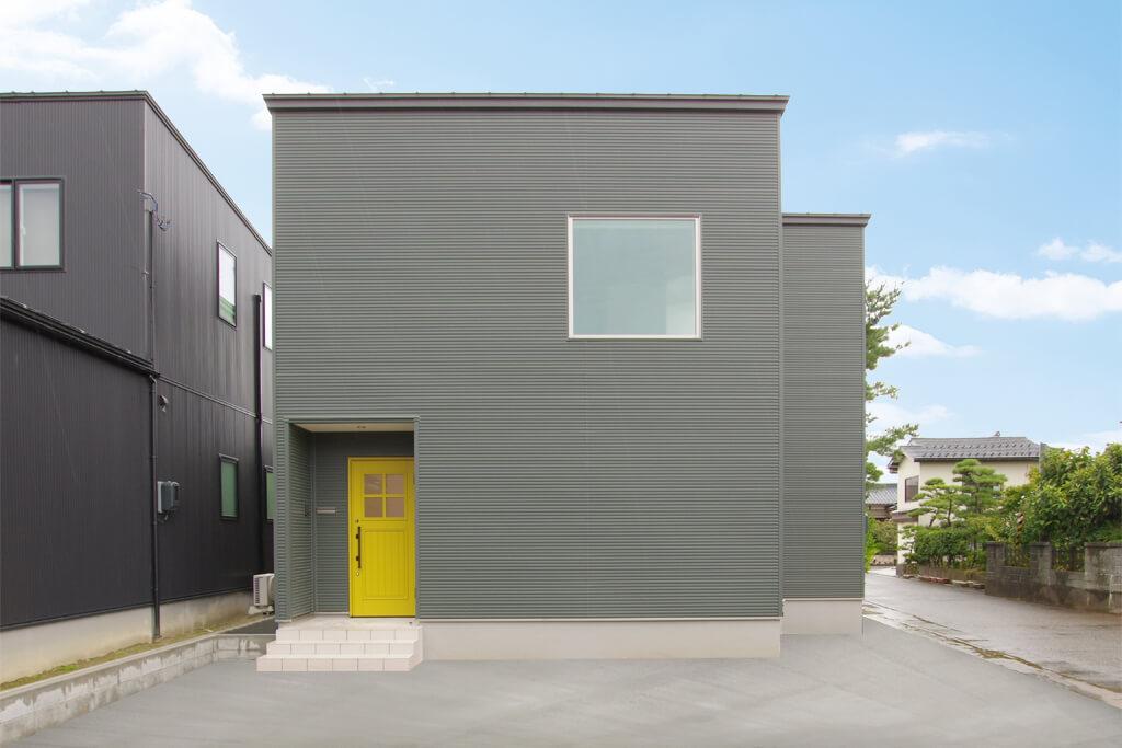 HARS デザインキッチンを採用した鉄骨×無垢の家