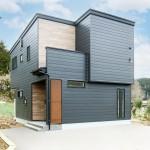 長岡市小島谷「ORGA ガルバ×木目のスタイリッシュな外観 リビングに面したウッドデッキが開放的な家」住宅完成見学会