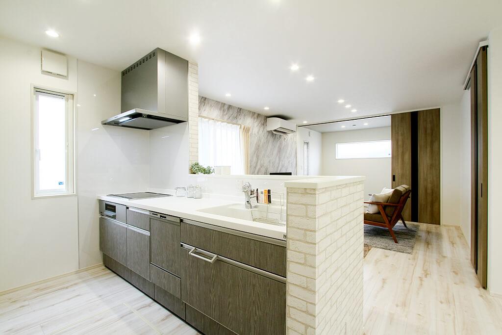 ハーバーハウスの新築 家づくり 事例「新しい生活様式にも対応! 大胆なクロス使いで空間演出を楽しむ家」