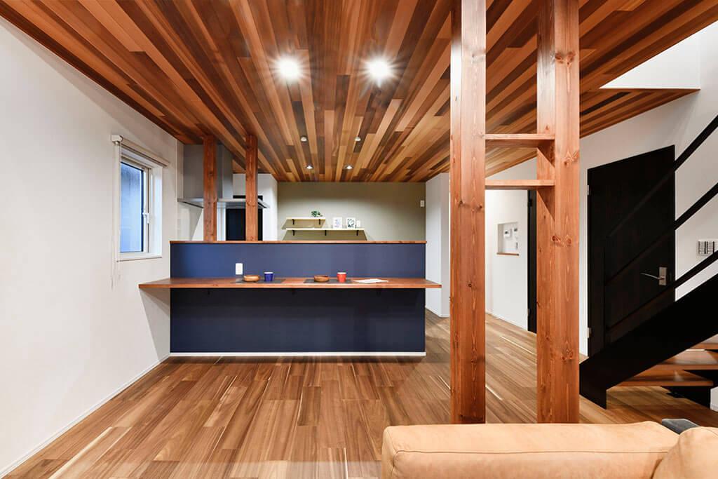 ハーバーハウスの新築 家づくり 事例「吹き抜けと鉄骨階段が暮らしにゆとりを生み出す家」