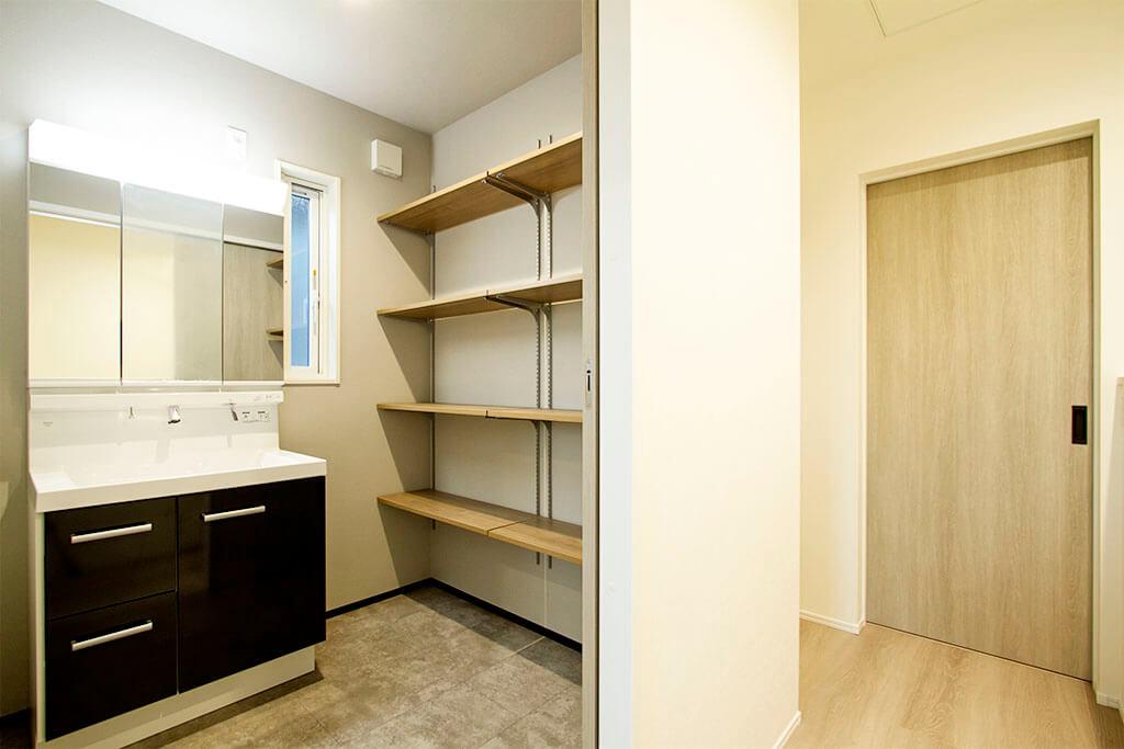 ハーバーハウスの新築 家づくり 事例「REGA 仕切りのないワイドガレージと2階リビングのある家」